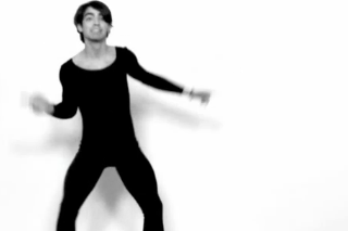 "Joe Jonas Is The Latest Single Man To Dance To ""Single Ladies"""