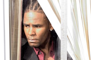 "R. Kelly Tells The Lady In His Life: ""U Saved Me"""