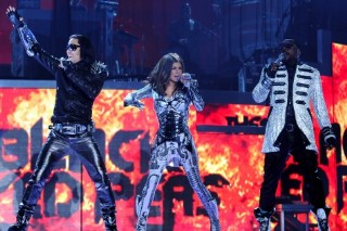 'Good Morning America' Summer Concert Series Lines Up Black Eyed Peas, Miley Cyrus, Jonas Brothers And More
