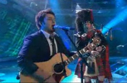 'American Idol': The Top 9 Bring The Beatles To Life With Bizarre Instruments