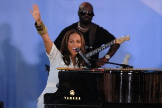 Alicia Keys Rocks The Park On 'Good Morning America'