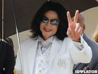 michael-jackson-white-suit2