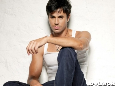 Enrique-Iglesias-wallpaper-2