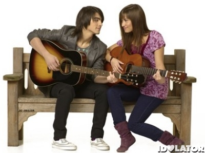 joe-jonas-and-demi-lovato-camp-rock