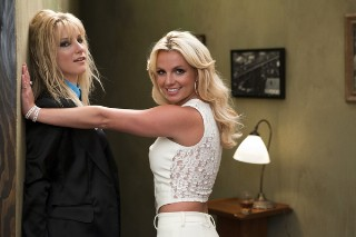 CAPTION THIS: Britney Against Britney