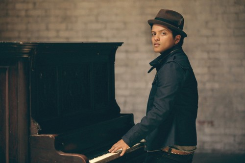 Bruno-Mars-Main-Pub-Harper-Smith