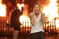 Eminem Rihanna Love The Way You Lie 2