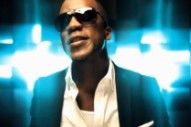 "Iyaz Is Loved-Up In His ""So Big"" Video"