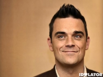 Robbie_Williams_poses_e73d