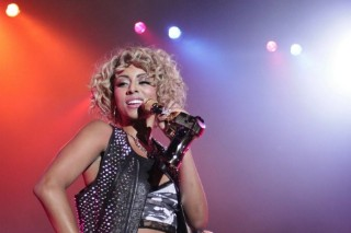 "Keri Hilson Performs New Single ""Pretty Girl Rock"", Unveils Jammin' Single Art"