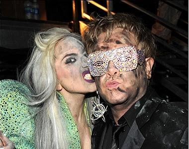 Elton-John-Lady-Gaga-inside2