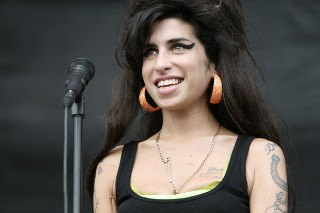 The Morning Mix: Amy Winehouse Plans A Brazilian Mini-Tour In 2011