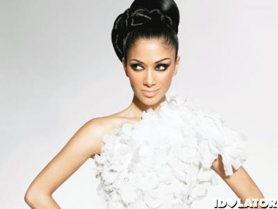 "Nicole Scherzinger Covers Tina Turner's Bond Theme ""Goldeneye"""