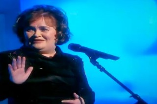 Susan Boyle Stops Halfway Through Her Performance On 'The View'