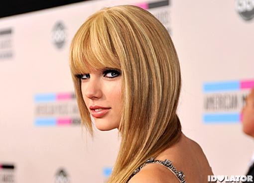 Taylor Swift red carpet