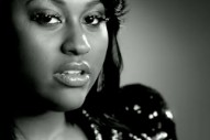 "Jazmine Sullivan Is Ticked Off In Her ""10 Seconds"" Video"