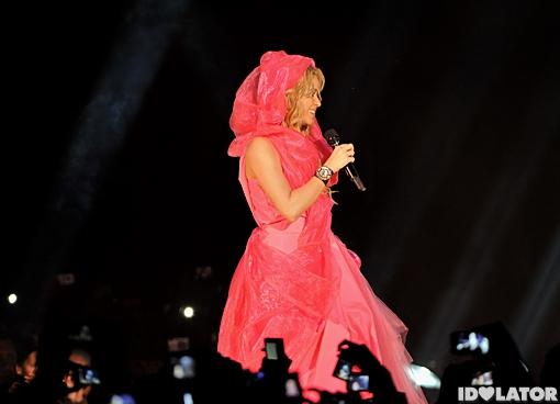 Shakira Pink