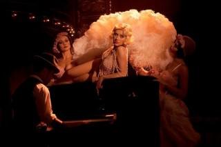 'Burlesque', 'Glee' & Gwyneth Paltrow Snag 2011 Golden Globe Nominations