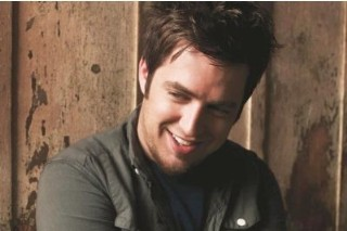 Lee DeWyze's 'Live It Up' Plummets Down The Album Chart