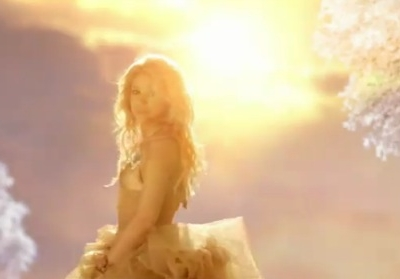 Shakira Sale El Sol music video