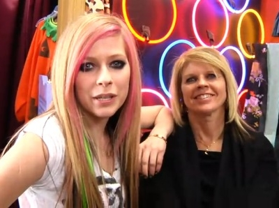 Avril Lavigne What The Hell video shoot