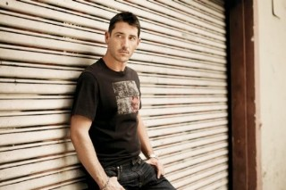 Jonathan Knight Confirms He's Gay