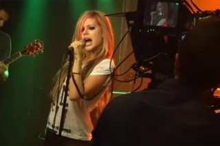 """The Morning Mix: Watch Avril Lavigne's """"What The Hell"""" Video Preview—In 3-D!"""