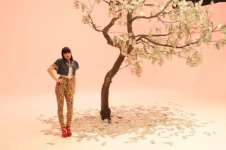 "Jessie J Toys With Us In Her ""Price Tag"" Video"