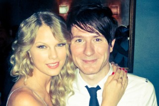 "Owl City Covers Taylor Swift's ""Enchanted"", Flirts With Her Over The Internet"