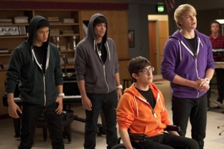 "'Glee' Gets Bieber Fever, Covers ""Baby"" And ""Somebody To Love"""