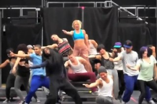 Watch Britney Spears Rehearse For Her Femme Fatale Tour
