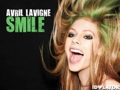 Avril Lavigne Smile single cover
