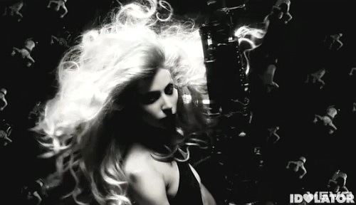 Lady Gaga Born This Way gun