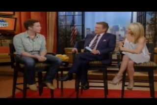 """Scotty McCreery On Lauren Alaina: """"We're Like Brother And Sister"""""""