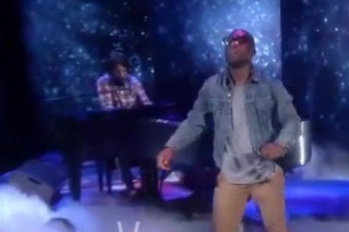 Tinie Tempah And Eric Turner Write In The Stars On 'The View'
