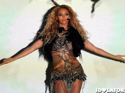 Beyonce-Billboard-Awards-2011-Performance_large