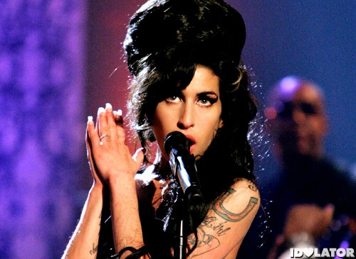 amy winehouse s best live performances idolator. Black Bedroom Furniture Sets. Home Design Ideas