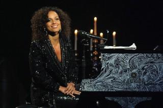 Alicia Keys Celebrates 10 Year Anniversary At New York's Beacon Theatre