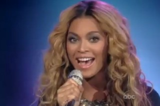 """Beyonce Performs On 'The View', Calls Herself """"A Jay-Z Groupie"""""""