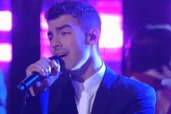 Joe Jonas Looks Dapper, Breaks Board With His Bare Hand On 'Lopez Tonight'