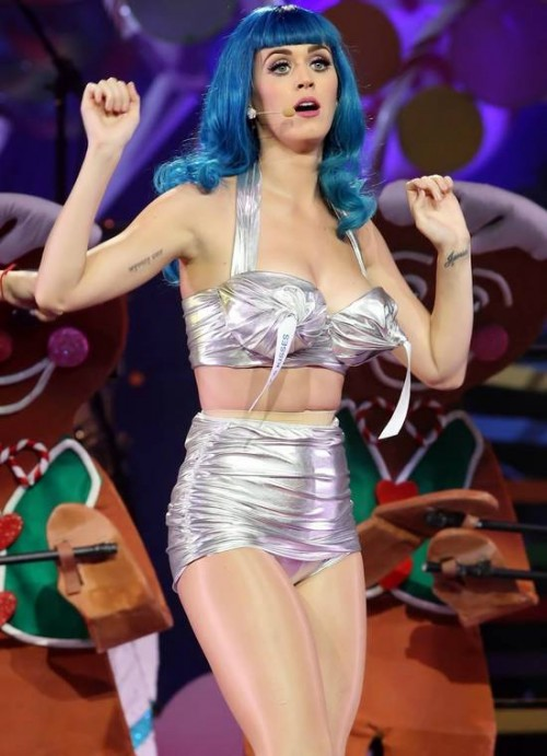 Katy-Perry-California-Dreams-Tour-Performance-in-Montreal
