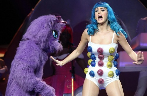 Katy-Perry-at-California-Dreams-Tour-Performance-in-Montreal-0uyk02