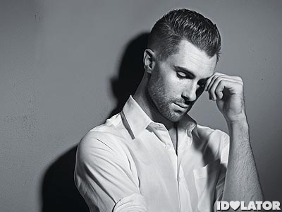 adam-levine-looking-very-hot