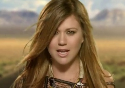 Kelly Clarkson Mr. Know It All music video main