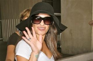 Lea Michele Arrives In Paris (PHOTOS)
