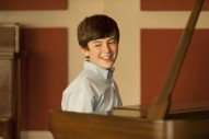 "Greyson Chance Performs ""Hard To Handle"" On 'Raising Hope'"