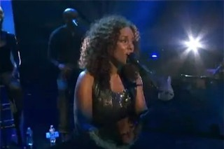 """Alicia Keys Debuts """"A Place Of My Own"""" At iHeartRadio Music Festival"""