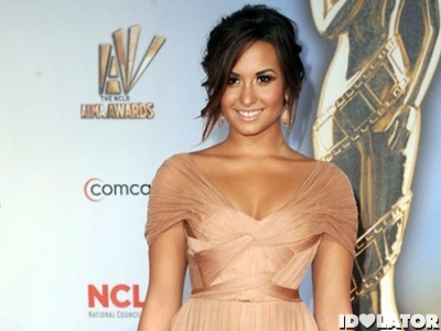demi-lovato-2011-alma-awards-500x874