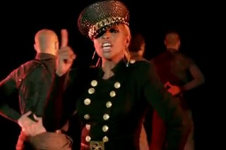 "Mary J. Blige Needs More Time To Love In ""25/8″ Video"