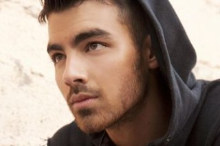 """Joe Jonas Beams Into Chris Brown's """"Lighthouse"""""""